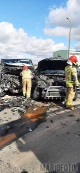 Wypadek w Ligocie Górnej. Dwa samochody zderzyły się na skrzyżowaniu dróg krajowych 11 i 45