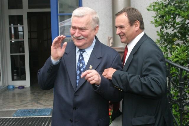 Mieczysław Wachowski i Lech Wałęsa na imieninach prezydenta