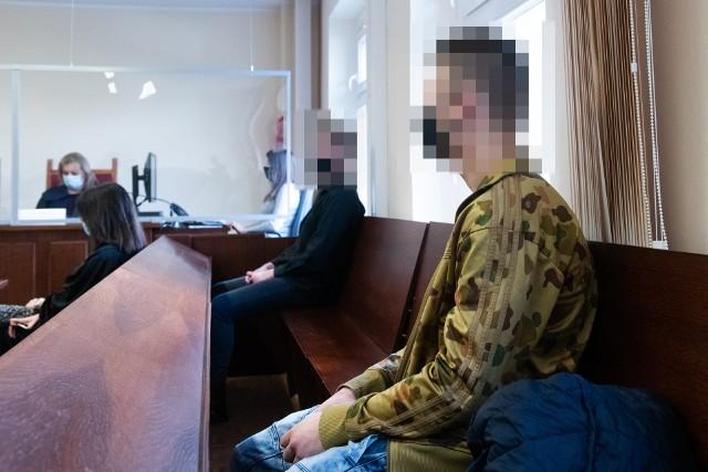 Kacper O. i Patryk S., którzy w listopadzie 2019 roku napadli na seniorkę na terenie ogródków działkowych na ul. Bałtyckiej w Poznaniu, zostali skazani