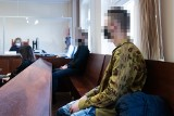 Seniorka i jej wnuk sterroryzowani na ul. Bałtyckiej w Poznaniu. Sprawcy, uzbrojeni w nóż i toporek, wtargnęli do domu starszej kobiety