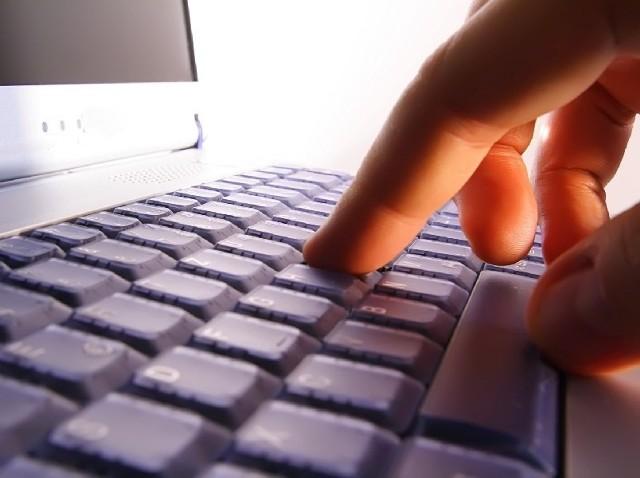 Część formalności związanych z założeniem firmy możemy załatwić przez internet.