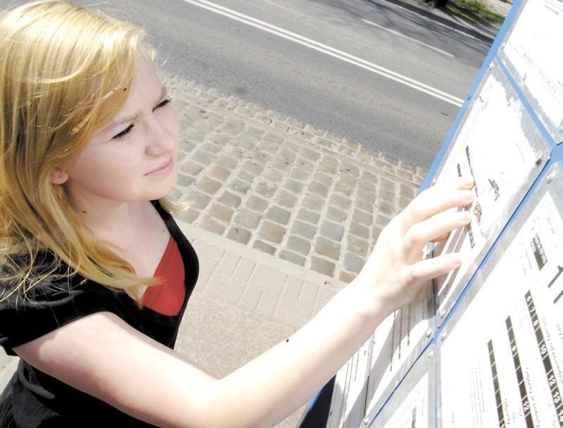 """Aleksandra Kowalczyk bardzo się wczoraj zdenerwowała, bo nie mogła odczytać, o której na przystanek przy ul. Kołłątaja przyjedzie """"ósemka""""."""