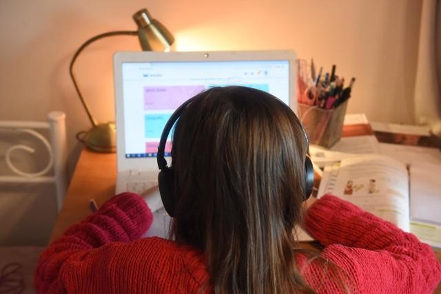 Nauka zdalna - do kiedy? Czy po feriach zimowych uczniowie wrócą do szkół?