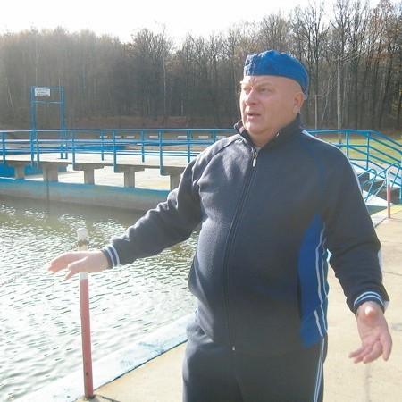 - Kąpielisko jest przestarzałe i bardzo kosztowne - mówi Zbigniew Zdzitowiecki.