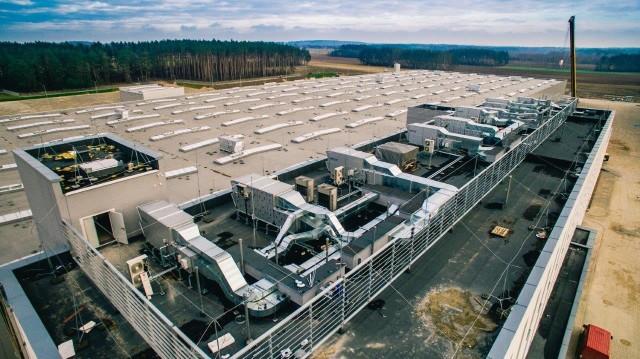 Miesiąc temu został zakończony ostatni etap budowy nowej fabryki SaMasz. Kolejno zostały uruchomione nowoczesne linie produkcyjne, które spełniają najwyższe normy technologiczne, ale też w zakresie bezpieczeństwa i higieny pracy - informuje spółka.SaMasz zmienił adres. Już nie Białystok a Zabłudów. I tu, i tu na Trawiastej
