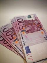 Naukowcy z Australii: koronawirus może przeżyć na banknotach nawet 28 dni. To znacznie dłużej niż do tej pory sądzono