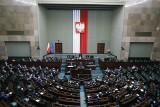Sejm przyjął uchwałę popierającą twarde stanowisko rządu w negocjacjach z Unią Europejską w sprawie budżetu UE