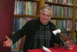 """Włodzimierz Cimoszewicz promował książkę """"Nieoficjalnie"""""""