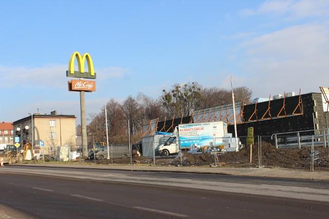 Budowa pierwszej restauracji sieci McDonald's w Piekarach Śląskich trwa. Otwarcie już niebawem. Zobacz kolejne zdjęcia >>>