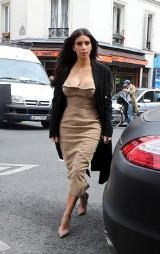 """Stylizacje a la Kim Kardashian. """"Obcisłe kreacje nie muszą być kiczowate"""""""