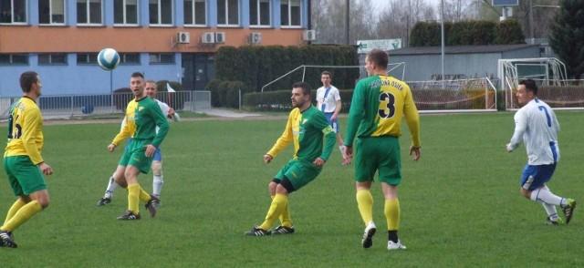 Fragment meczu Unii Oświęcim z Brzeziną Osiek (0:1).