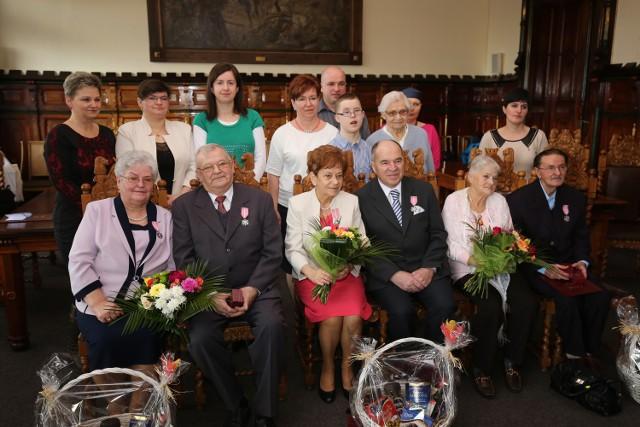Od lewej państwo Nincowie, Orlikowscy i Siudowie ze swoimi rodzinami.