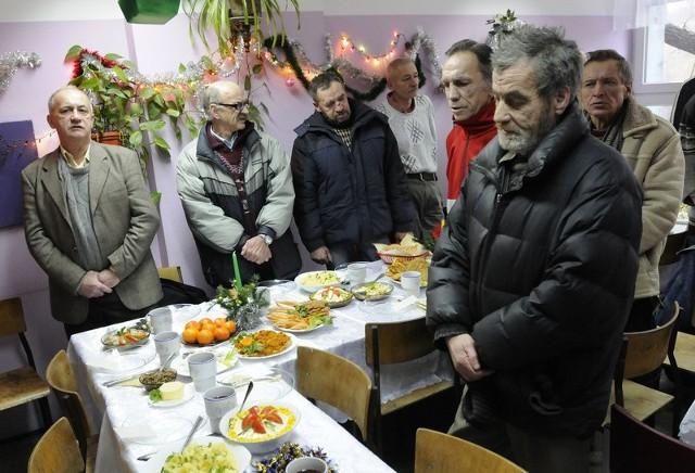 Przy świątecznym stole zasiadło około 70 osób.