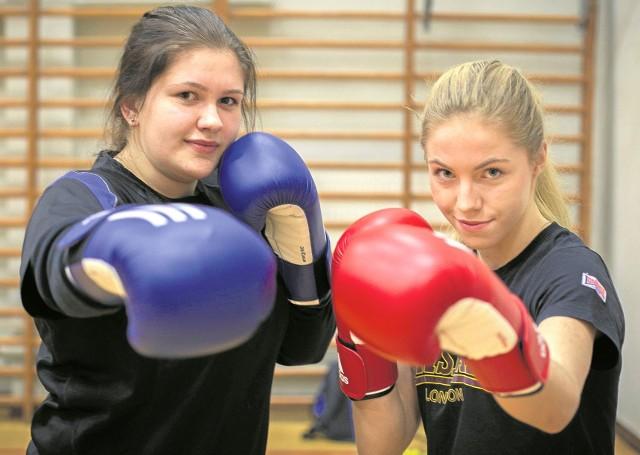 Aneta Gojko z Sokółki (z lewej) i Dorota Bukowska z Łomży - nasze bokserskie  mistrzynie