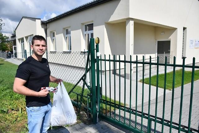 Karol Piotrowski pomaga w walce z koronawirusem