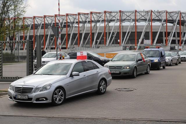 Kibice Jagiellonii Białystok pojechali na finał Pucharu Polski 2019 pociągami i samochodami. Wyruszyli spod Stadionu Miejskiego i z Dworca PKP w Białymstoku