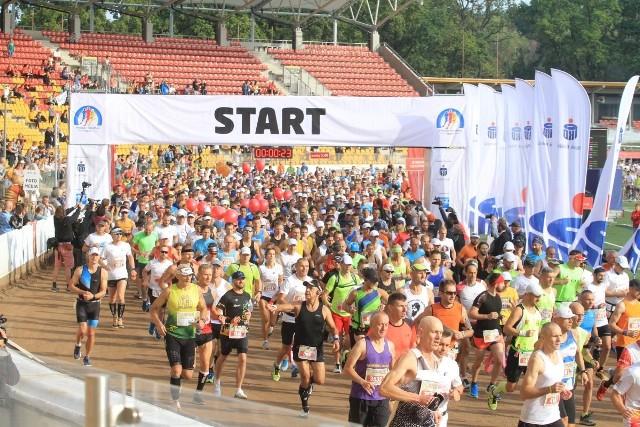 Zdjęcia ze startu 36. PKO Wrocław Maratonu