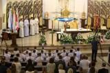 Pierwsze Komunie Święte zostaną przesunięte z powodu koronawirusa? Kościół, rodzice i restauratorzy są w kropce