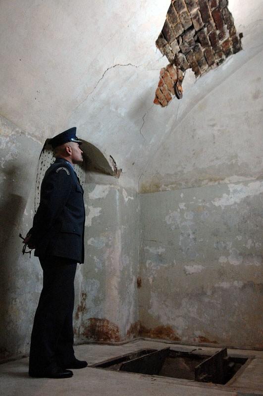 w woj. zachodniopomorskim zachowała się ostatnia cela śmierci. Politycy chcący przywrócić karę śmierci powinni ją zobaczyć.