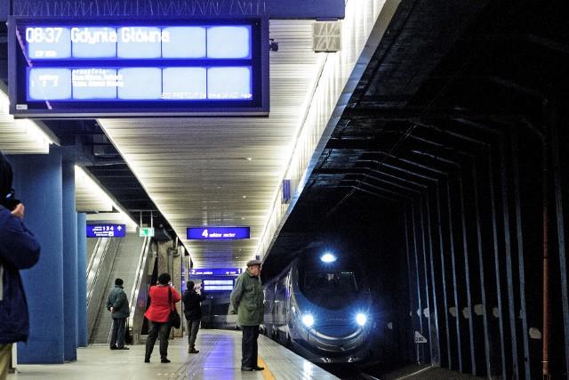 Krótsze podróże z Warszawy do Trójmiasta dzięki zwiększeniu prędkości pociągów do 200 km/h.