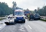 Wypadek na trasie DK1 w Brudzowicach. Kierowca wjechał w ciężarówkę. Droga zablokowana