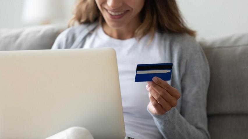 Kredyt konsolidacyjny 2021: co to jest konsolidacja kredytów i czy można konsolidować chwilówki?