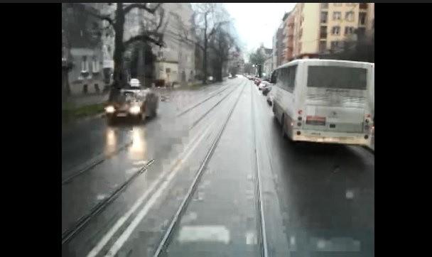 Korki we Wrocławiu. Auta stoją, tramwaje jadą?
