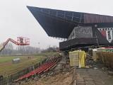 Czeladź. Stadion zmienia się dla kibiców i piłkarzy. Budynek klubowy i szatnie będą wkrótce jak nowe