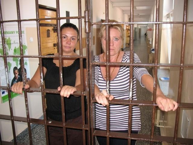 Ludmiła i Olga przerażone czekają na dzień, gdy będą musiały opuścić ośrodek. Czeka je albo deportacja, albo ukrywanie się w Polsce... Do swoich krajów nie chcą wracać, w końcu mieszkają u nas kilkanaście lat.