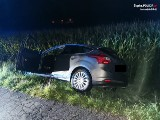 Jastrzębie-Zdrój. Pijany 45-latek wpadł fordem w pole kukurydzy. Policję o wypadku zawiadomił system zainstalowany w jego samochodzie