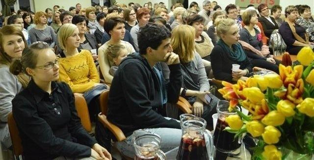 Jak widać wiele pań, ale i panów przyjęło zaproszenie na  Dzień Kobiet.