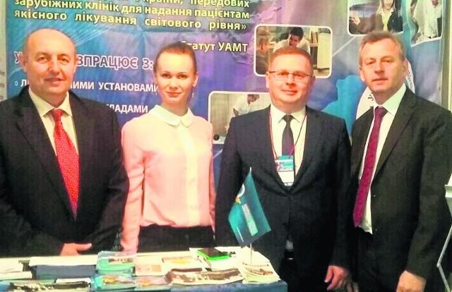 Buskie uzdrowisko gościło na forum we Lwowie Prezes buskiej spółki uzdrowiskowej Wojciech Legawiec (drugi z prawej) uczestniczył  w Forum Medycznym Galmed we Lwowie.