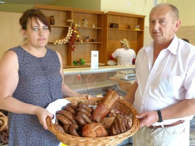 Szynka, miód i twaróg - perły dla trzech świętokrzyskich produktówAgnieszka i Zdzisław Nowakowie prowadzą tradycyjną masarnię, wyroby sprzedają w trzech sklepach między innymi w Kielcach, w osiedlu na Stoku.