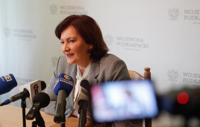 Wojewoda Ewa Leniart zapewniła, że wspólnie z Regionalną Izbą Obrachunkową monitoruje sytuację finansową podkarpackich samorządów.