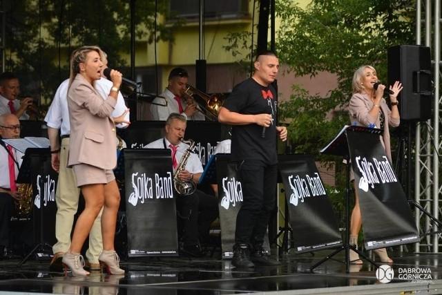 Letnie koncerty w Dąbrowie Górniczej cieszą się dużą popularnością Zobacz kolejne zdjęcia/plansze. Przesuwaj zdjęcia w prawo - naciśnij strzałkę lub przycisk NASTĘPNE