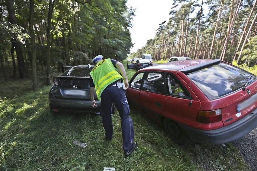 Oba auta wypadły z drogi