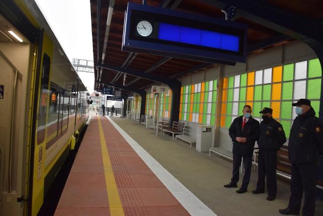 Podróż pociągiem osobowym na trasie Gorzów - Szczecin miałaby trwać nawet tylko 1 godz. 50 min.