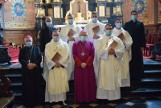 Diecezja sandomierska ma pięciu nowych kapłanów. Uroczyste święcenia w katedrze z udziałem rodzin [DUŻO ZDJĘĆ]