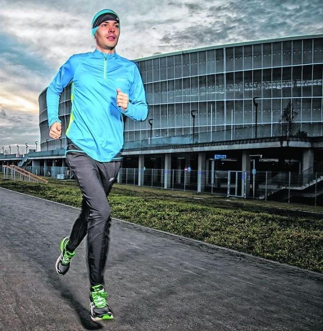 Wrocławską dziesiątkę promuje wrocławianin, aktualny mistrz Polski w półmaratonie i maratonie - Arkadiusz Gardzielewski