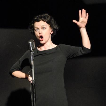 W roli Edith Piaf Marzena Wieczorek.