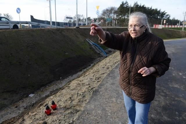 - Rów jest zbyt głęboki, by starsza kobieta wyszła z niego sama - mówi Anna Piechowska