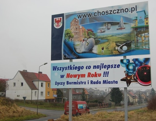 W magistracie na razie zaplanowano ustawienie 5 takich tablic przy dojazdowych drogach do Choszczna.