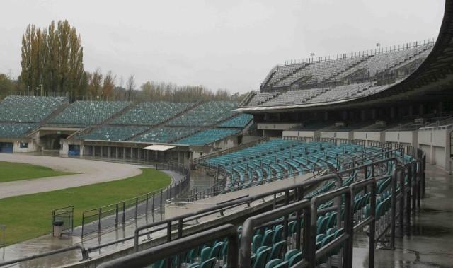 Na sprzedaż wystawiono m.in. 150 stadionowych krzesełek