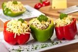 Pomysł na obiad. Faszerowane warzywa: papryka, bakłażan i cukinia [PRZEPISY]