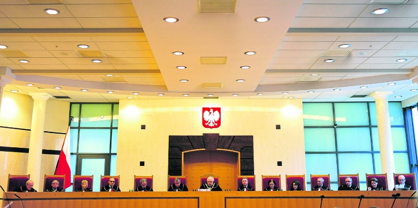 Trybunał Konstytucyjny nie jest świętą krową - mówił w środę...