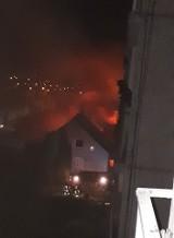 Pożary w nocy i nad ranem w Gdańsku i w Gdyni. 8-9.05.2020 r. Paliły się pustostan i altana. Nikt nie został poszkodowany