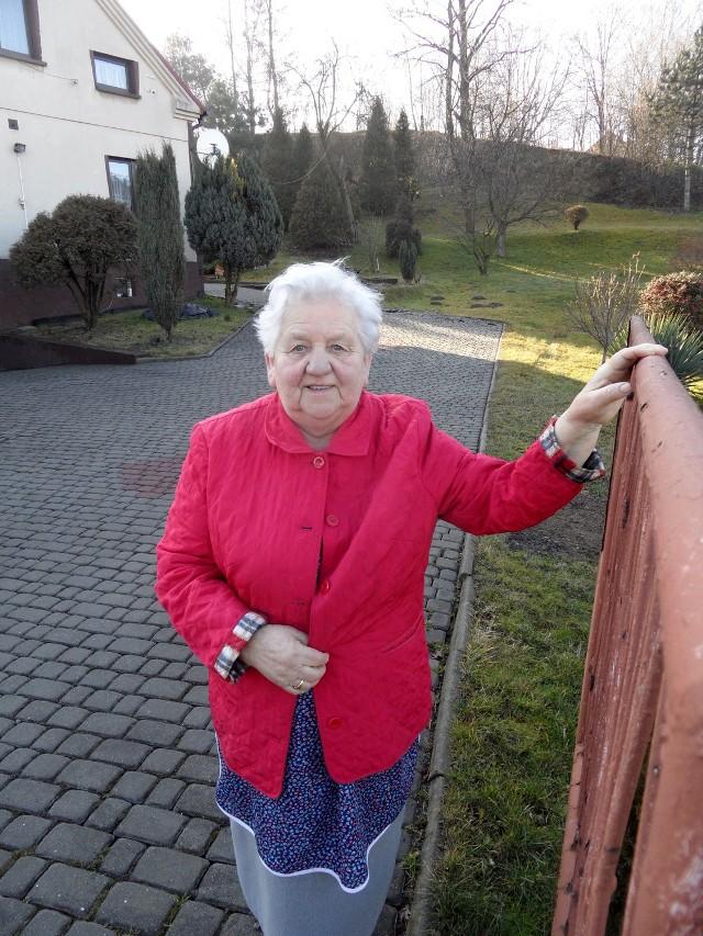 Zofia Sabat z Marklowic oczekuje na możliwość podłączenia się do kanalizacji. Dla niej jest  to udogodnienie i komfort