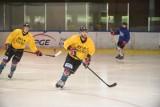 Hokeiści KH Energi już po pierwszym treningu na lodzie!