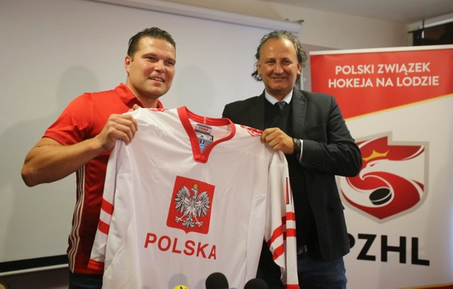 Tomasz Valtonen (z lewej) nie będzie już trenerem reprezentacji Polski w hokeju na lodzie. Prezes Mirosław Minkina będzie musiał wybrać innego selekcjonera