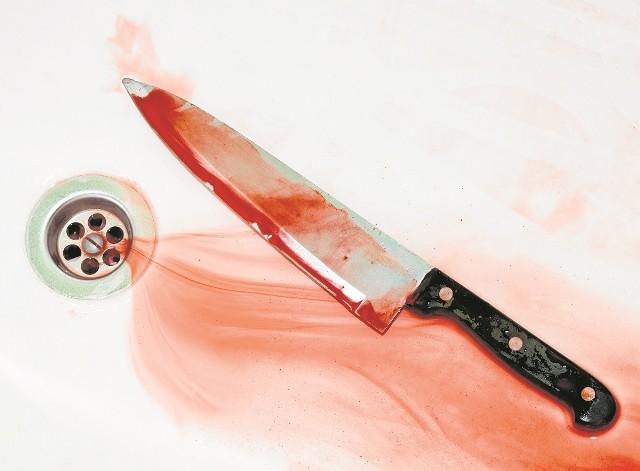 Andrzej P. poszedł do domu po nóż. Wrócił do garażu i ugodził szwagra w rękę oraz klatkę piersiową. Potem uciekł